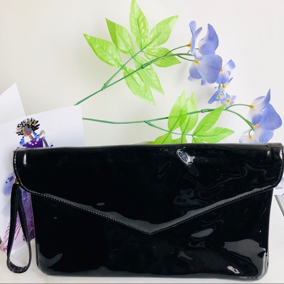 Vintage Handbags - Patent Leather Black Envelope Clutch / Wristlet